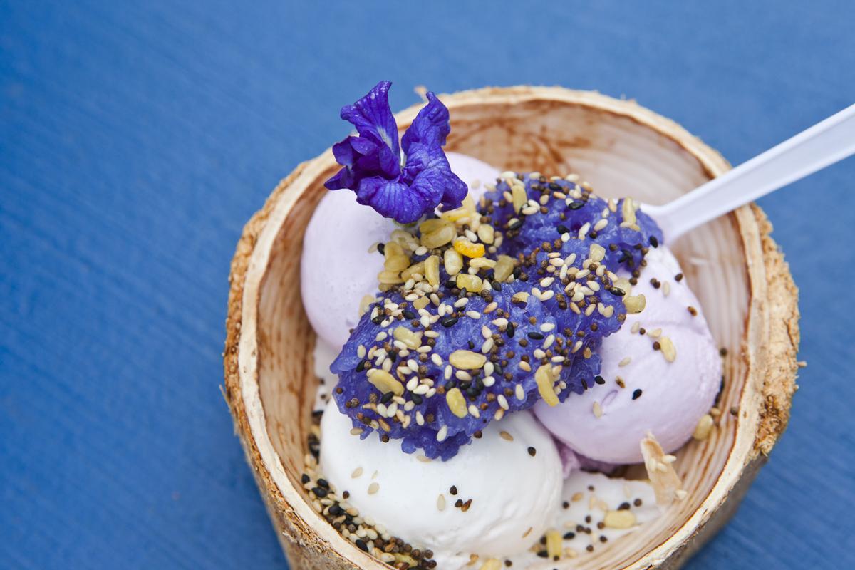 Tajskie lody kokosowe - desery wTajlandii.
