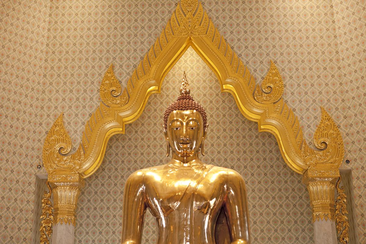 Świątynia Złotego Buddy (Wat Traimit) wBangkoku. Warto zobaczyć wBangkoku.